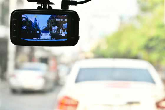 How does dash cam works